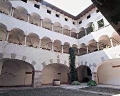 Palazzo Marzani, cortile interno