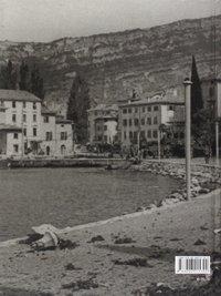 Il diradarsi dell'oscurità. Volume 3: 1944-1945. Retro di copertina
